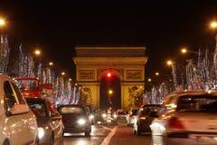 Avenue des Champs Elysees en Triomf overspant Stock Afbeelding