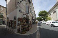 Aveny de la Résistance i Helgon-Rémy-de-Provence, Frankrike Royaltyfri Bild