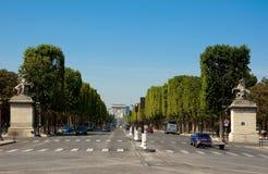 Avenydes-mästarna-Élysées. Royaltyfri Bild