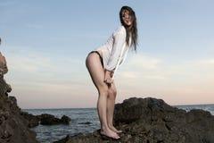 Avere divertimento sulla spiaggia Fotografia Stock Libera da Diritti