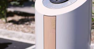 Avfall för exponeringsglas i staden lager videofilmer