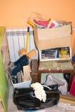 Avfall i lägenheten efter renovering Arkivfoto