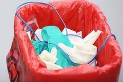 Avfall med disponibla objekt för kirurgi arkivbild