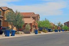 Avfalldag i en Tucson grannskap royaltyfri bild