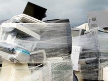 avfalls för krymp för datorelektronikstapeln slogg in Arkivfoto