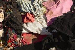 Avfalls från avskräde, som degraderas av naturligt, betyder royaltyfri foto