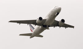 Avgå flygplan för Air France flygbuss A319-111 Royaltyfri Fotografi
