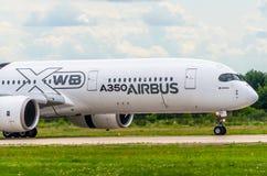 Avião Airbus A350 XWB da demonstração Rússia, Moscovo Aeroporto de Zhukovsky 19 de julho de 2017 Imagem de Stock