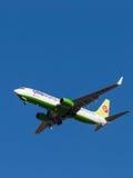 Avião comercial Boeing-737, S7 Airlines Fotos de Stock Royalty Free