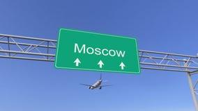 Avião comercial do motor gêmeo que chega ao aeroporto de Moscou Viagem à rendição 3D conceptual de Rússia Imagem de Stock Royalty Free