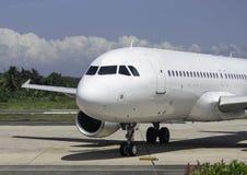 Avião comercial estacionado Imagem de Stock