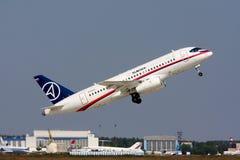 avião comercial Sukhoi Superjet-100. Fotos de Stock