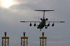 Avião da aterragem Fotos de Stock Royalty Free