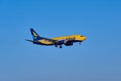 Avião da aterrissagem de Air Transat Imagens de Stock