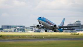 Avião das linhas aéreas de Thomson Foto de Stock