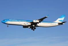 Avião de Aerolineas Argentinas Airbus A340-300 Fotografia de Stock Royalty Free