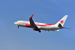 Avião de Air Algerie acima do aeroporto de Francoforte Foto de Stock