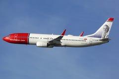 Avião de Boeing B737-800 do norueguês Foto de Stock