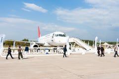 Avião de passageiros do passageiro do Superjet 100 de Sukhoi na exposição Fotografia de Stock Royalty Free