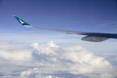 Avião de passageiros no vôo Imagens de Stock Royalty Free