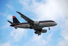 Avião de passagem de Airbus A-319 Imagem de Stock