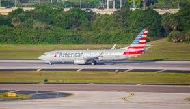 Avião de passagem de American Airlines Imagem de Stock