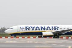 Avião de Ryanair Boeing fotografia de stock royalty free