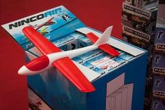 Avião do brinquedo em G! vem o giocare em Milão, Itália Fotografia de Stock Royalty Free