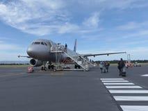 Avião do embarque Fotos de Stock Royalty Free