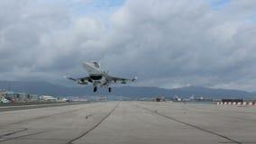 Avião militar da decolagem