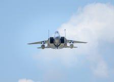 Avião militar no vôo imagem de stock royalty free