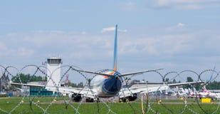Avião no fugitivo Imagens de Stock