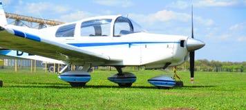 Avião privado, Kamenets Podolskiy, Ucrânia imagens de stock royalty free