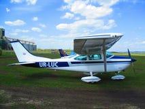 Avião privado, Kamenets Podolskiy, Ucrânia fotografia de stock royalty free