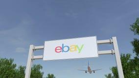 Avião que voa sobre o quadro de avisos de propaganda com eBay Inc logo Rendição 3D editorial Imagem de Stock Royalty Free