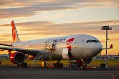 Avião sob a manutenção Imagens de Stock