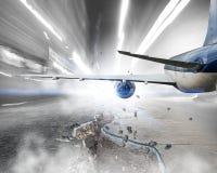 Avião sobre a pista de decolagem Meios mistos Imagens de Stock