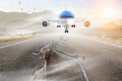 Avião sobre a pista de decolagem Meios mistos Meios mistos Imagens de Stock Royalty Free