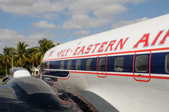 Avião velho do passageiro da hélice imagem de stock royalty free
