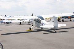 Avión blanco con las estrellas Foto de archivo