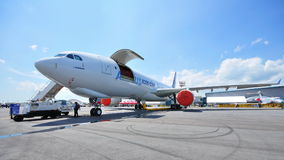 Avión de carga de Airbus A330-200F en Singapur Airshow Foto de archivo