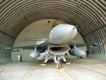 Avión de combate con los depósitos de gasolina Foto de archivo