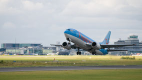 Avión de las líneas aéreas de Thomson Foto de archivo
