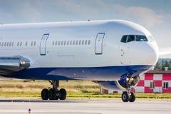 Avión de pasajeros comercial Fotografía de archivo libre de regalías