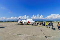 Avión de pasajeros de alta velocidad bimotor del turbopropulsor Fotografía de archivo libre de regalías