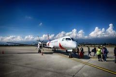 Avión de pasajeros de alta velocidad bimotor del turbopropulsor Foto de archivo