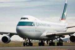 Avión de pasajeros de Boeing 747 del cargo de Cathay Pacific Fotografía de archivo libre de regalías