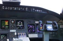 Avión de pasajeros de la carlinga El volante Fotografía de archivo