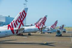Avión de pasajeros del pasajero de Australia de las vías aéreas en Sydney Airport Foto de archivo