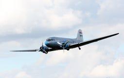 Avión de pasajeros histórico. Imagen de archivo